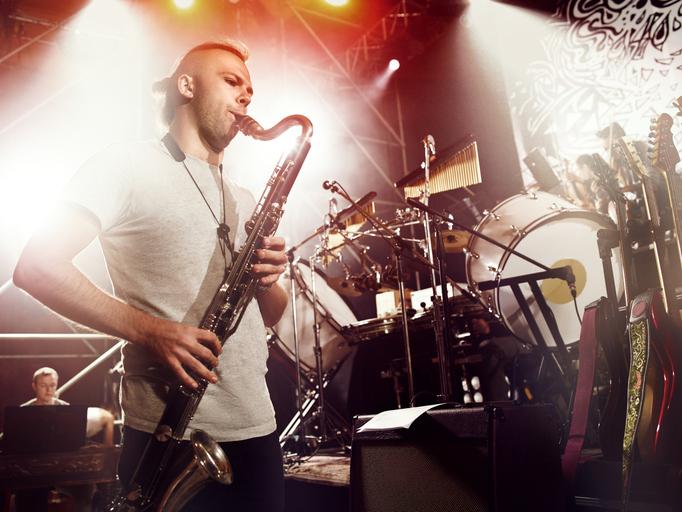 夏夜聽著爵士樂,何不試試爵士樂課程?