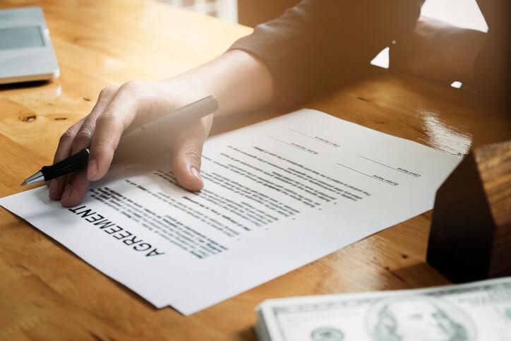 接案合作需要簽約才能保障彼此權益