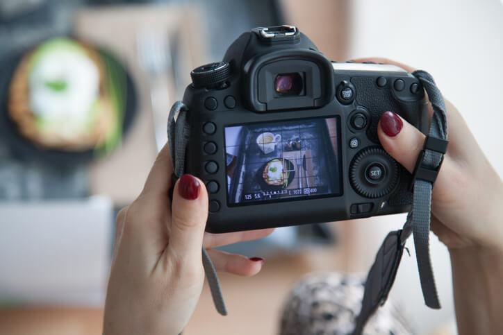 平面設計者擁有產品拍攝與影像編修的技能