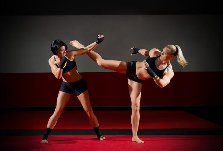 Body Combat藉由拳擊、踢腳等動作訓練敏捷的肌肉爆發力和身體協調性。