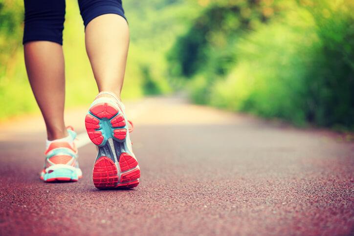 收操常是大家容易忽略的步驟,運動完若有時間,不如留點時間做收操,可以減少劇烈運動帶來的身體負擔。