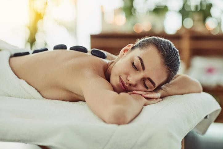 身體痠痛疲勞頂叩叩想求放鬆?預約按摩前你該知道的4件事