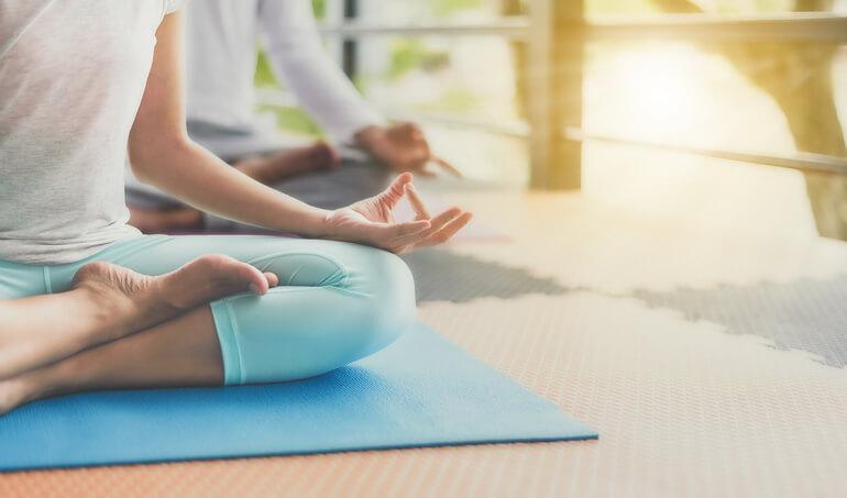 瑜珈依據人們對身體健康的需求,延伸出許多新的鍛鍊法,像是漂浮瑜珈、空中瑜珈等。