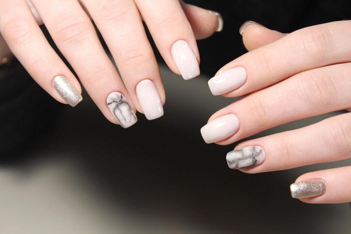一直很夯的大理石系列 凝膠指甲