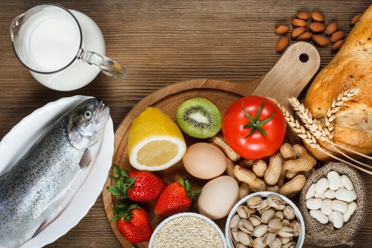 由於現代人生活型態的改變,生活常見的加工食品、基改食品和蛋白質都有可能誘發腸胃敏感不適,造成腹瀉、皮膚紅腫、呼吸不順或是胸悶氣喘的過敏症狀,對身體影響甚巨。