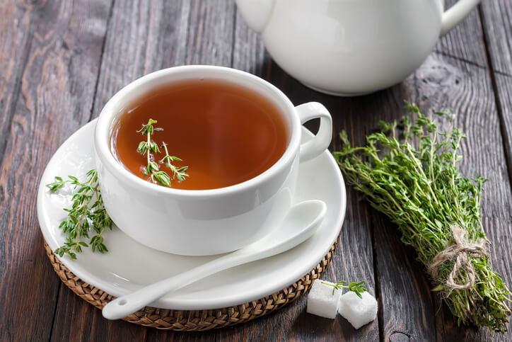 常用於調味、熬湯與燜燉,含有豐富鐵質。特別的是,百里香不會掩蓋其他香草或辛香料的味道,反而可自然融合,因此常被綑綁在一起或共同切碎使用。百里香也能乾燥後使用,香氣會比新鮮的更濃烈。